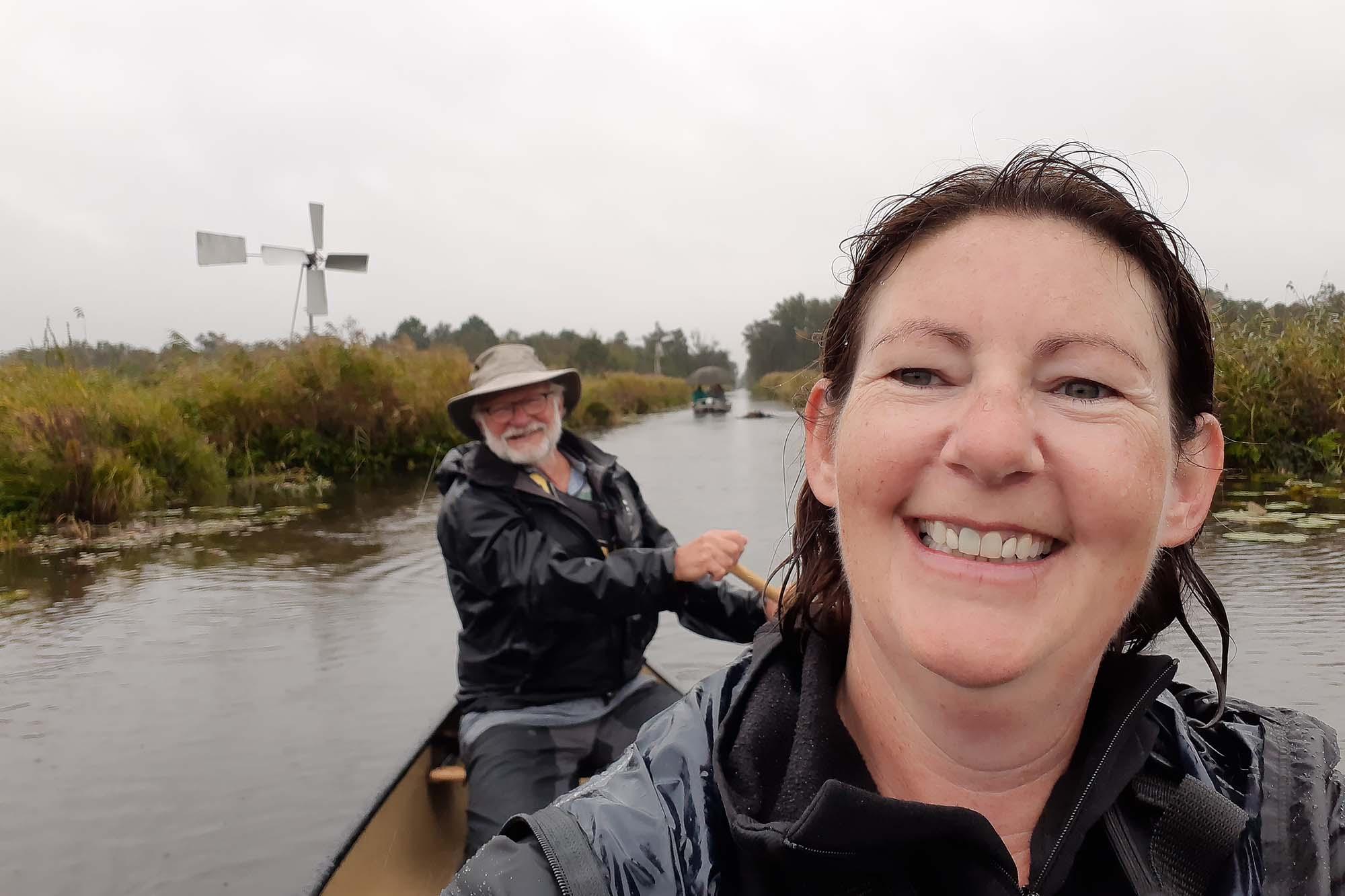 Kanoën Weerribben-Wieden in de regen