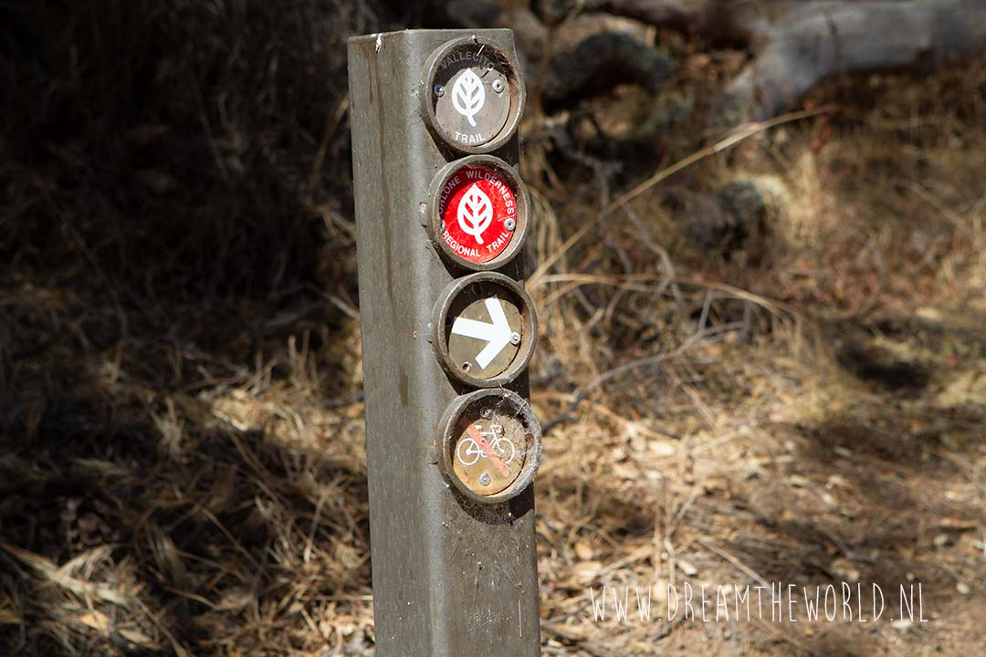 Routebordjes trails Lake del Valle