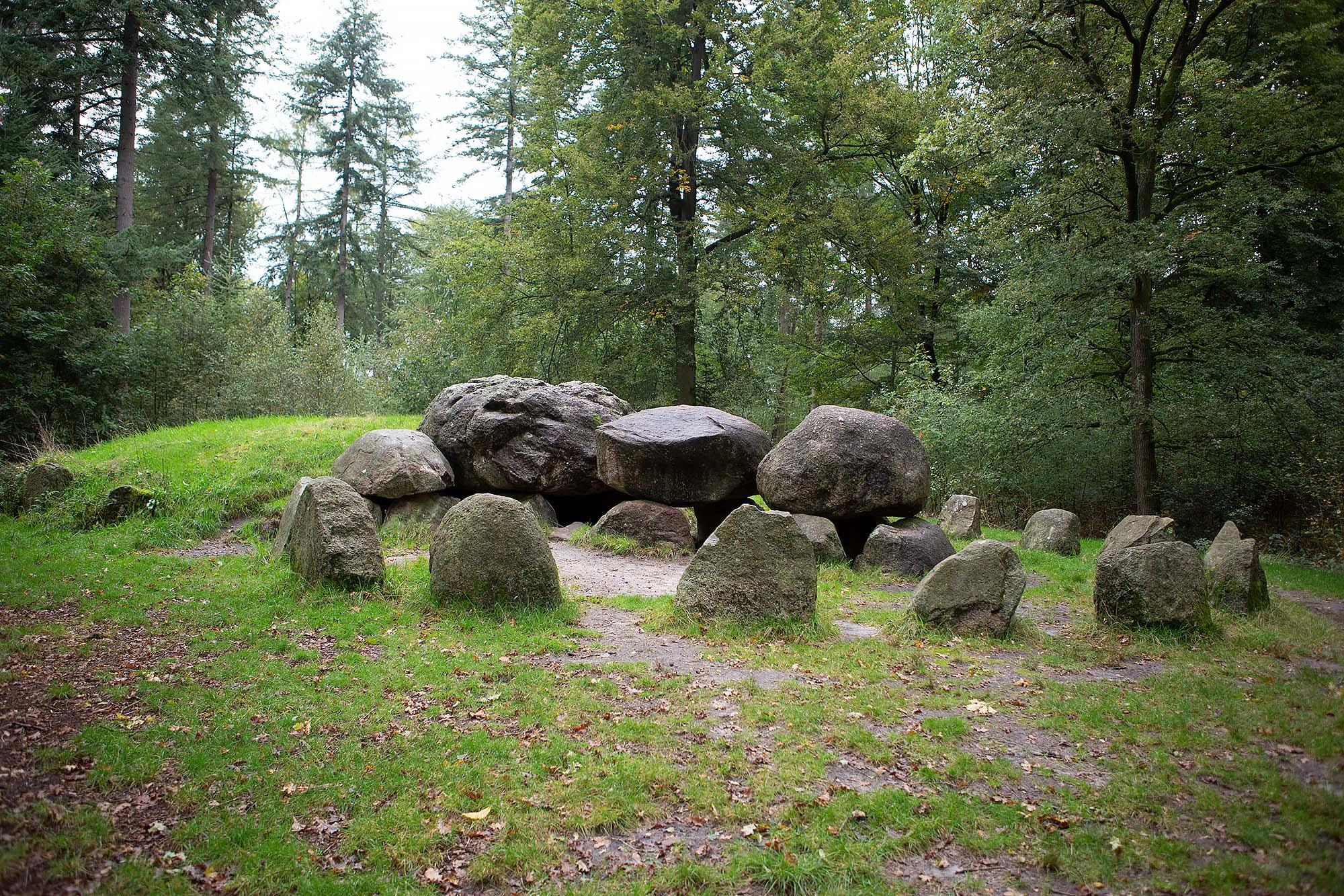 Archeologische wandelroute Sleenerzand hunebed de Papeloze kerk