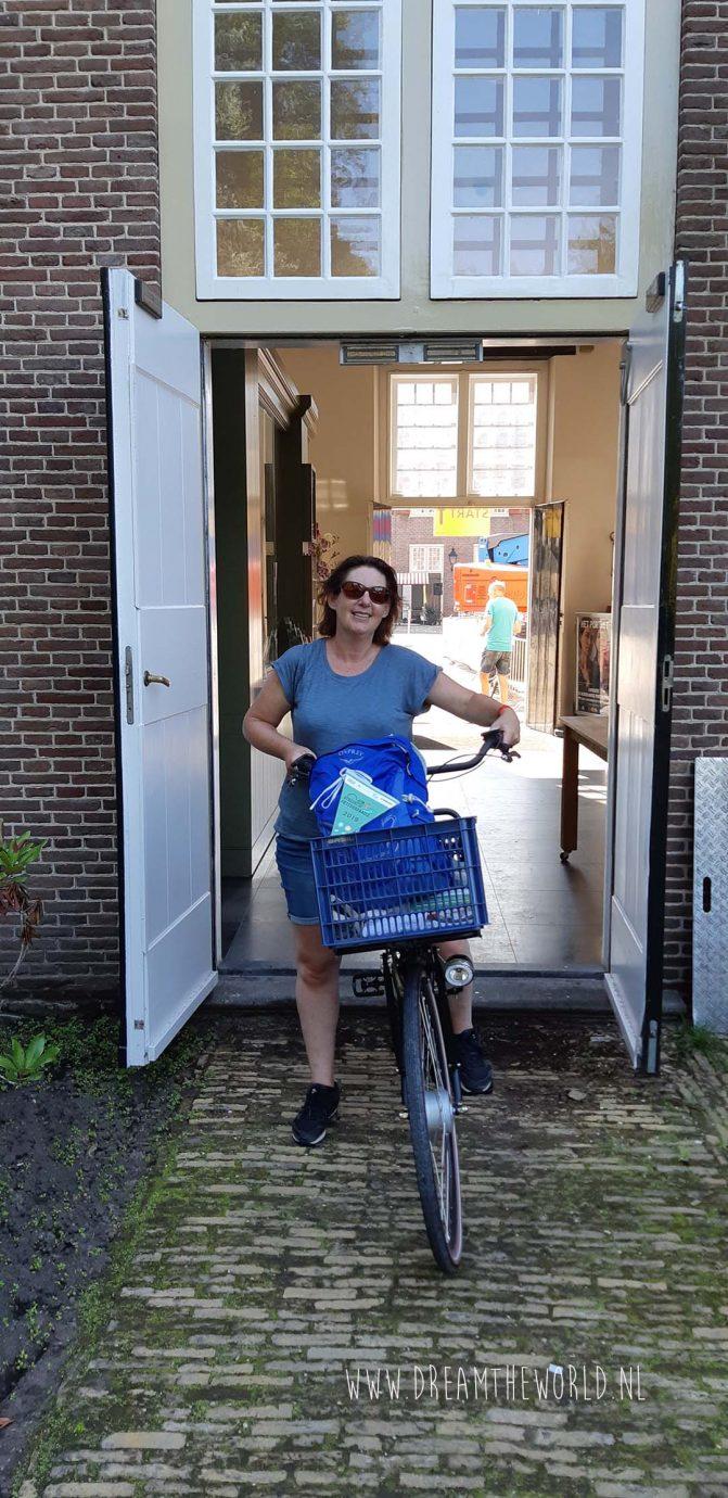 Carolien van Dream the World is klaar voor de start bij de Utrechtse Fietsvierdaagse